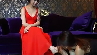 feet chinese lesbian foot-fetish slave